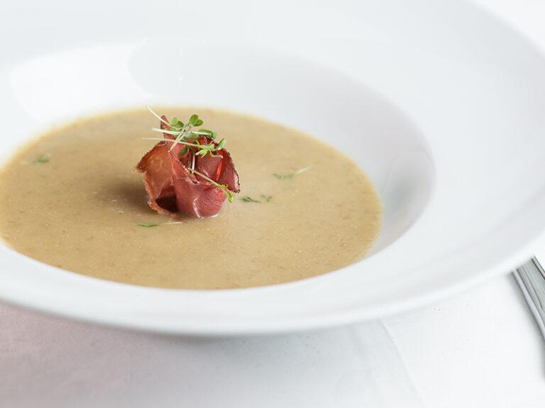 dorf wirt restaurant suppe speck